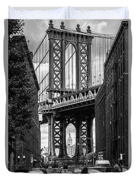 Empire State Building Framed By Manhattan Bridge Duvet Cover