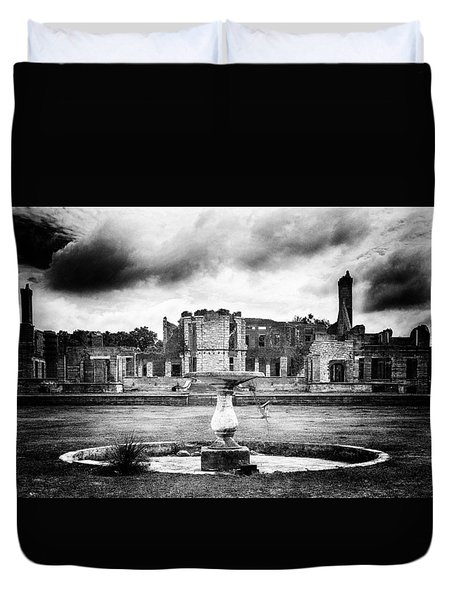 Duvet Cover featuring the photograph Empty Fountain by Alan Raasch