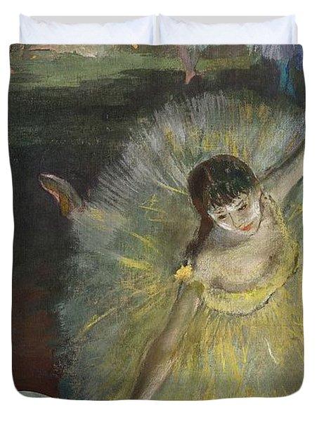 End Of An Arabesque Duvet Cover by Edgar Degas