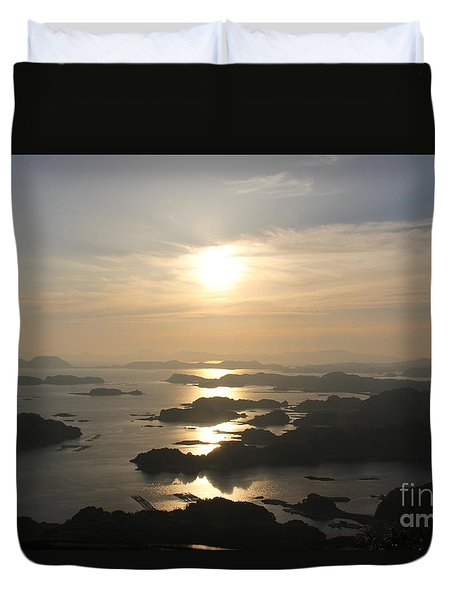 Duvet Cover featuring the photograph Ending Of The Day 1 by Yumi Johnson