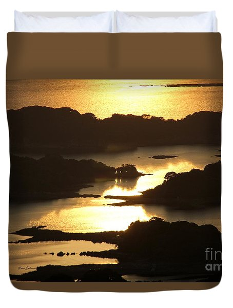 Duvet Cover featuring the photograph Ending Of The Day 3 by Yumi Johnson