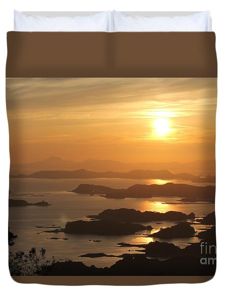 Duvet Cover featuring the photograph Ending Of The Day 4 by Yumi Johnson