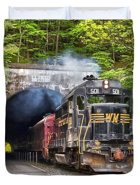 Engine 501 Coming Through The Brush Tunnel Duvet Cover