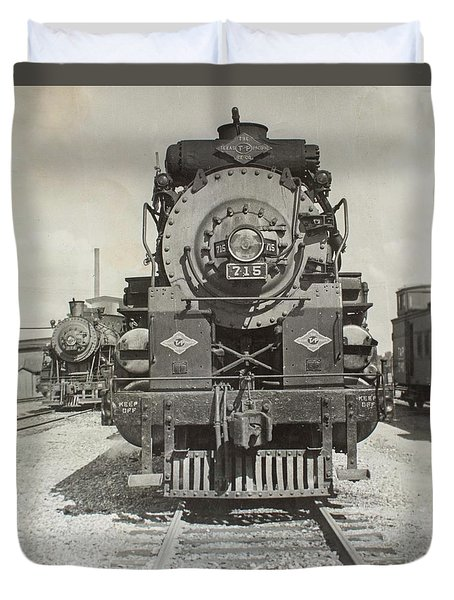 Duvet Cover featuring the photograph Engine 715 by Jeanne May