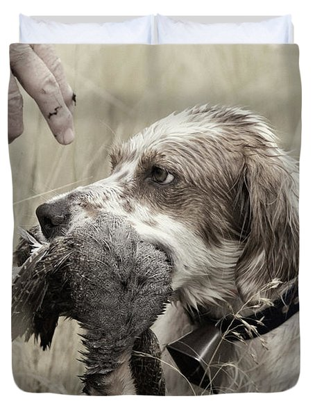 English Setter And Hungarian Partridge - D003092a Duvet Cover by Daniel Dempster
