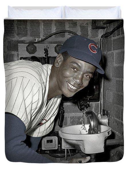 Ernie Banks At Cubs Water Fountain Duvet Cover