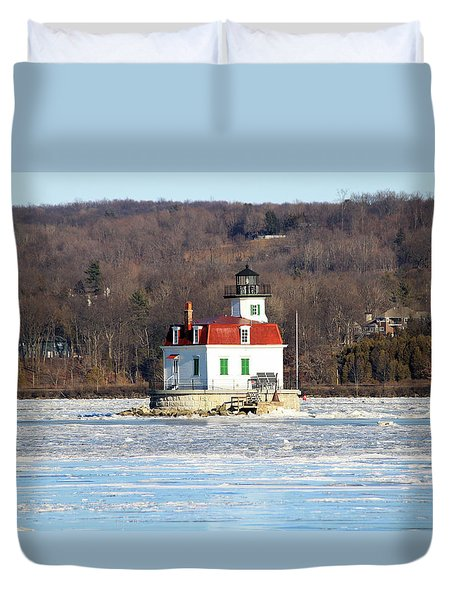 Duvet Cover featuring the photograph Esopus Lighthouse In Winter #2 by Jeff Severson