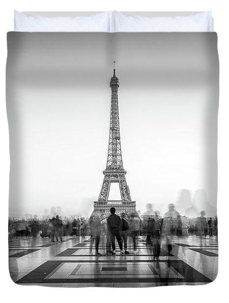 Esplanade Du Trocadero Duvet Cover