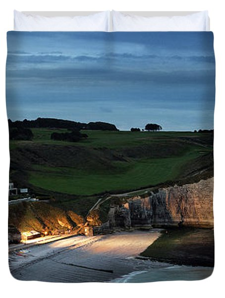 Etretat In The Evening Duvet Cover