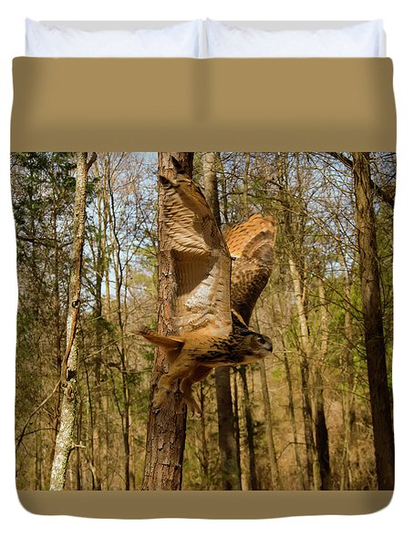 Eurasian Eagle Owl In Flight Duvet Cover