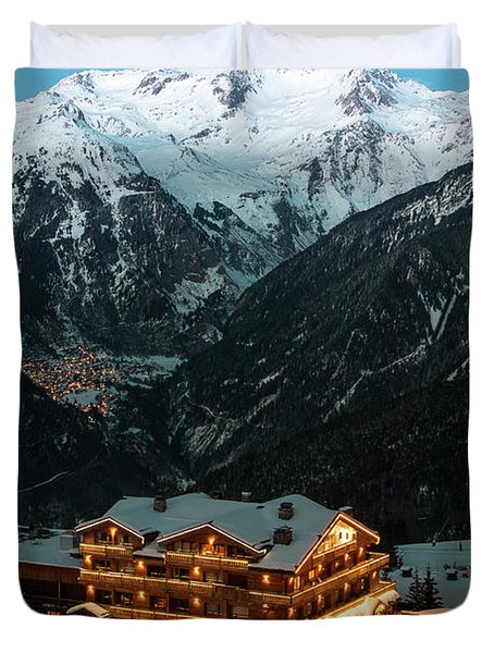 Evening Comes In Courchevel Duvet Cover