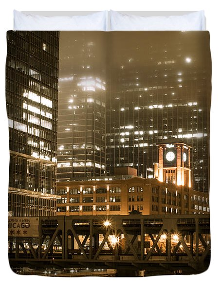 Evening In The Windy City Duvet Cover