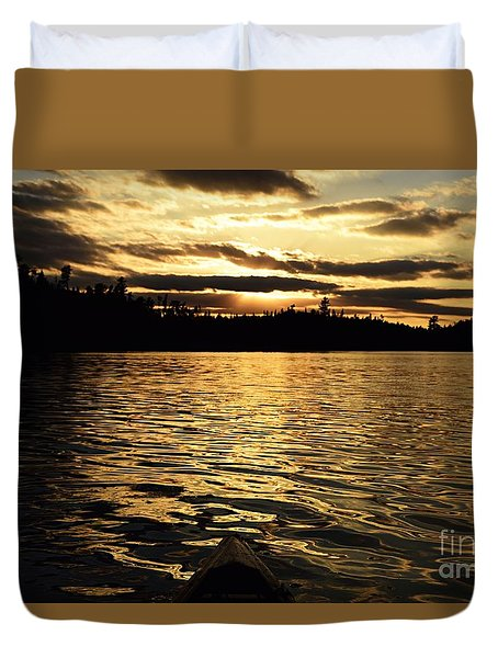 Duvet Cover featuring the photograph Evening Paddle On Amoeber Lake by Larry Ricker
