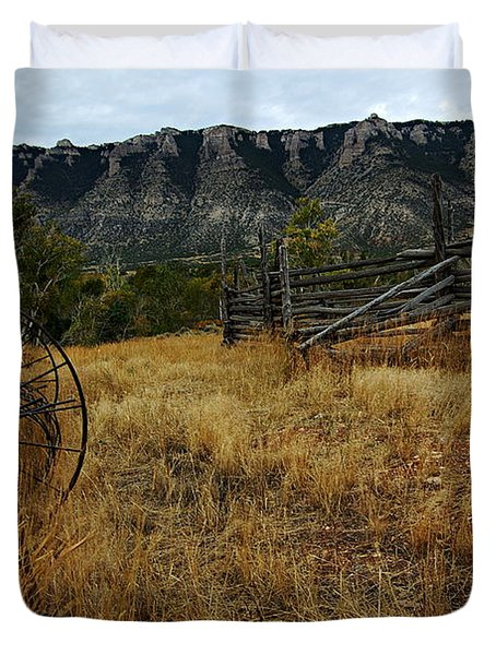 Ewing-snell Ranch 2 Duvet Cover by Larry Ricker