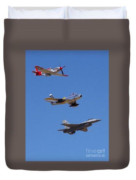 F-16 P-51d F-86 Heritage Flight- Flyby Duvet Cover
