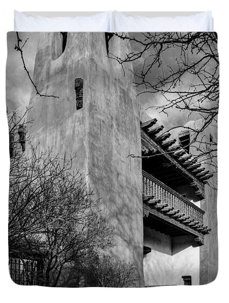 Facade Of New Mexico Museum Of Art In Bw - Santa Fe New Mexico Duvet Cover
