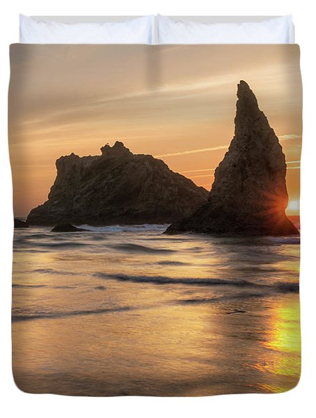 Face Rock Sunset Duvet Cover