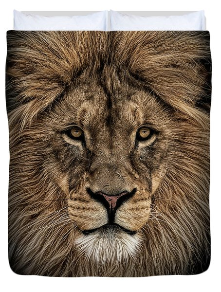 Facing Courage Duvet Cover