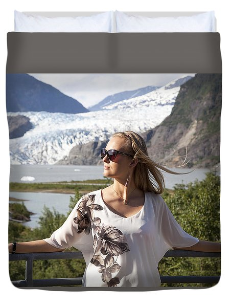 Facing The Sun Duvet Cover