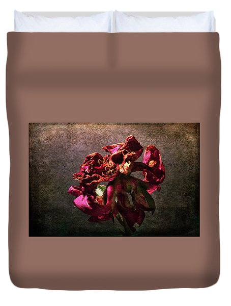 Duvet Cover featuring the photograph Fading Glory by Randi Grace Nilsberg