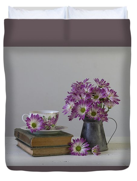 Duvet Cover featuring the photograph Fading Memories by Kim Hojnacki
