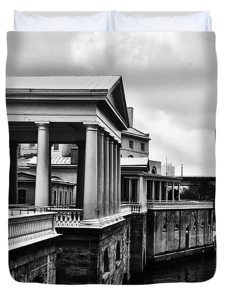 Fairmount Water Works In Black And White Duvet Cover by Bill Cannon