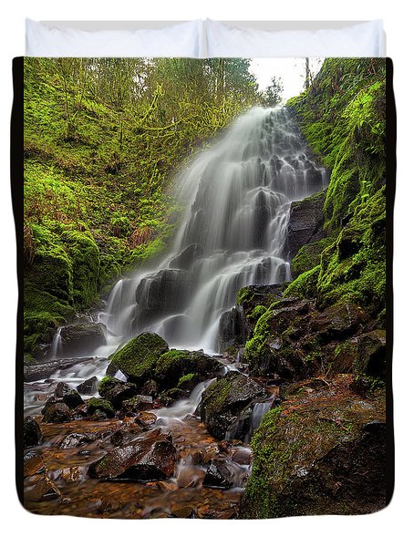 Fairy Falls In Columbia Gorge Duvet Cover by David Gn