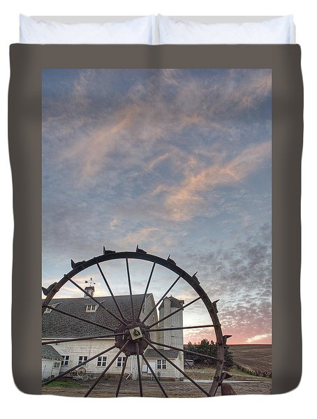 Fall At The Dahman Barn I I I Duvet Cover