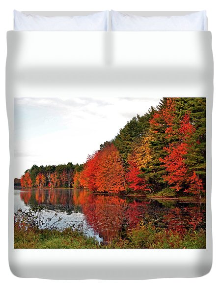 Fall Colors In Madbury Nh Duvet Cover by Nancy Landry