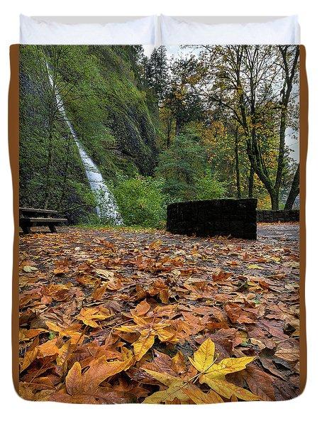 Fall Foliage At Horsetail Falls Duvet Cover by David Gn