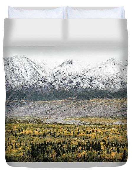 Fall In Wrangell - St. Elias Duvet Cover