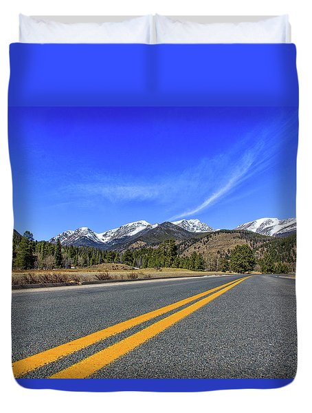Fall River Road With Mountain Background Duvet Cover