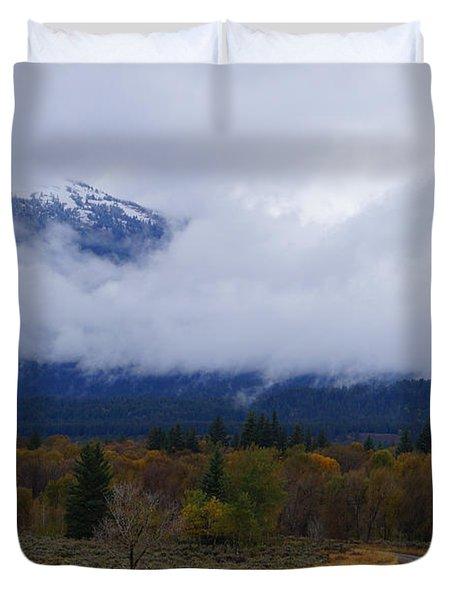 Fall Season's Last Stand Duvet Cover