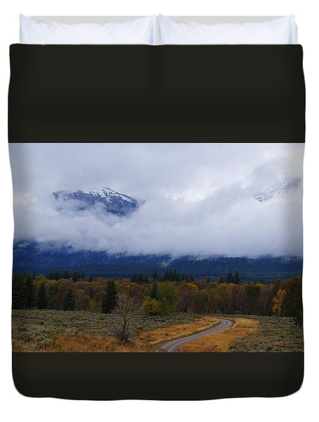 Fall Season's Last Stand Duvet Cover
