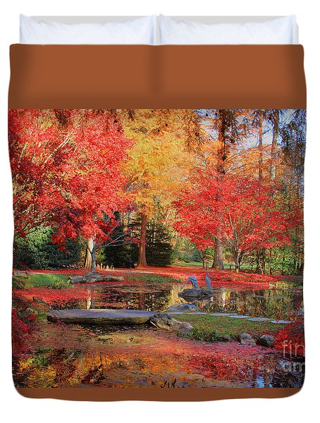 Duvet Cover featuring the photograph Fall Spendor by Geraldine DeBoer