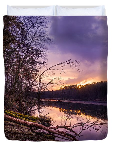 Fallen To The Setting Sun Duvet Cover by Dmytro Korol