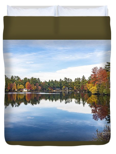 Duvet Cover featuring the photograph Falling For New Hampshire by Anthony Baatz