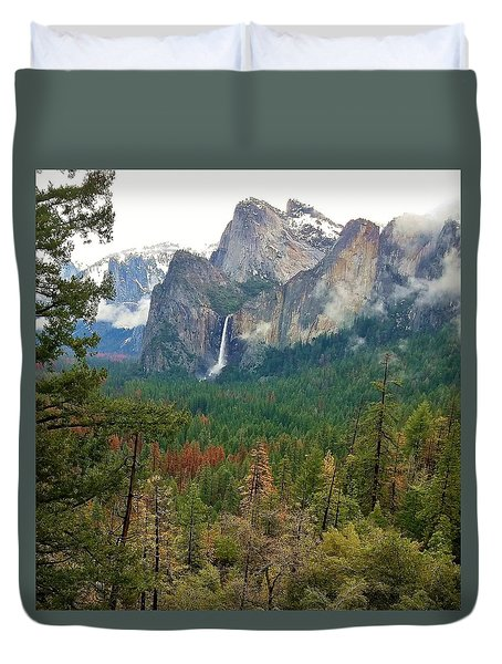Duvet Cover featuring the photograph Falls In Yosemite B by Phyllis Spoor