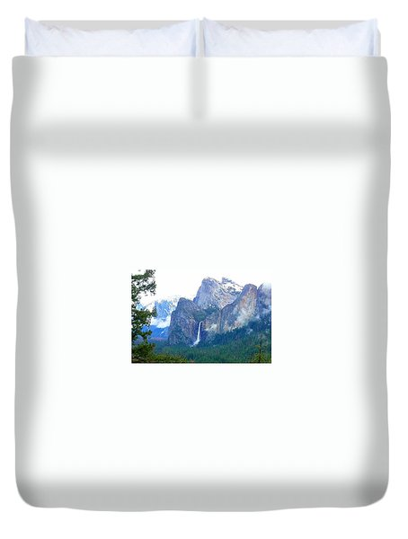 Duvet Cover featuring the photograph Falls In Yosemite C by Phyllis Spoor