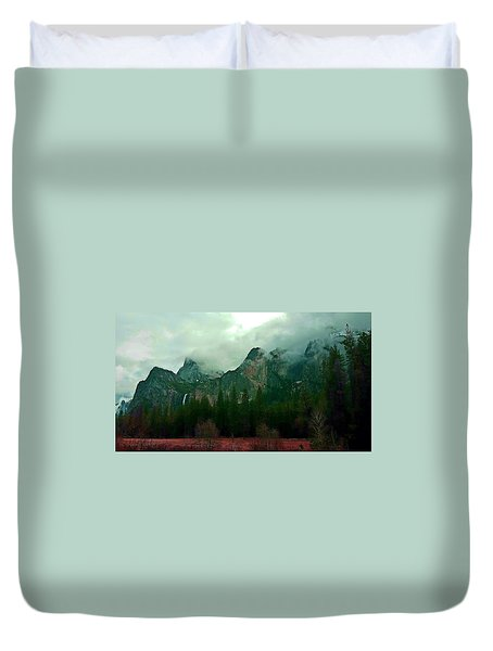 Duvet Cover featuring the photograph Falls In Yosemite D by Phyllis Spoor