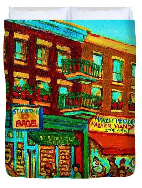 Family Frolic On St.viateur Street Duvet Cover by Carole Spandau