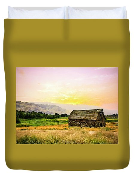 Twilight At The Okanagan Farm House Canada Duvet Cover