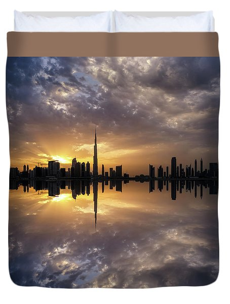 Fascinating Reflection In Business Bay District During Dramatic Sunset. Dubai, United Arab Emirates. Duvet Cover