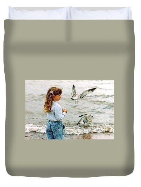 Feeding Gulls Duvet Cover