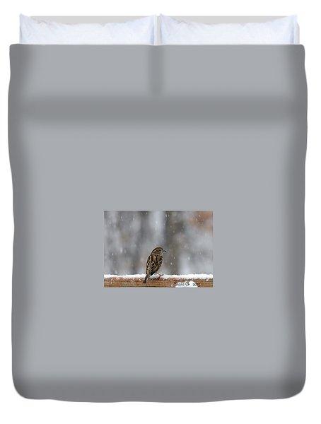 Female Sparrow In Snow Duvet Cover