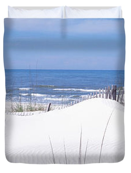Fence On The Beach, Gulf Of Mexico, St Duvet Cover