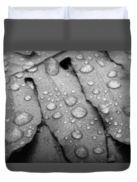 Duvet Cover featuring the photograph Fern Drops In Black And White by Deborah Smith