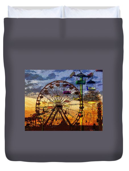 Duvet Cover featuring the digital art Ferris At Dusk by David Lee Thompson