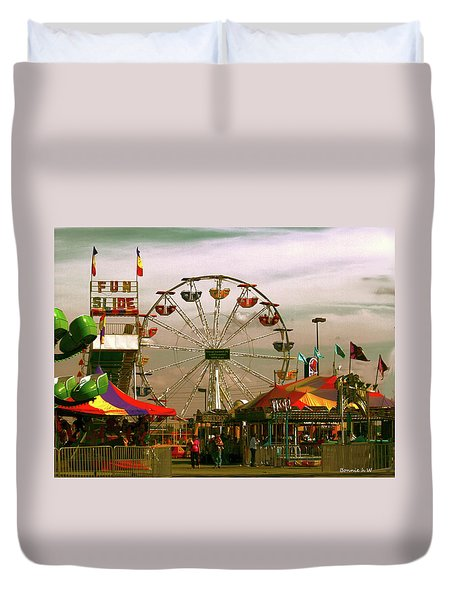 Duvet Cover featuring the photograph Ferris Wheel by Bonnie Willis