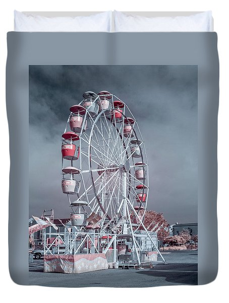 Ferris Wheel In Morning Duvet Cover by Greg Nyquist